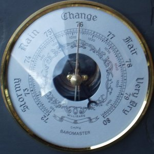 barometer-measures-air-pressure-photo-by-electricinca.jpg