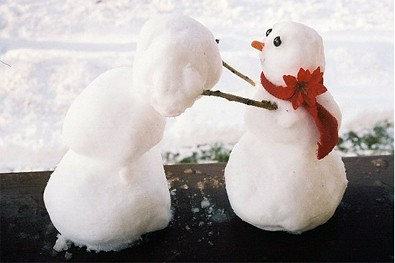 building-a-friendship-in-the-snow.jpg
