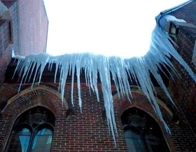 dangerous-icicles-by-Mikey-G-Ottawa.jpg