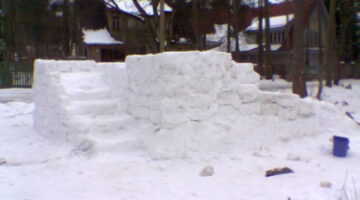 How To Build A Snow House Or Snow Fort With Kids