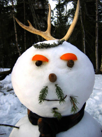 french-snowman-with-mustache-by-stigeredoo.jpg