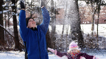 kids-like-to-make-it-snow