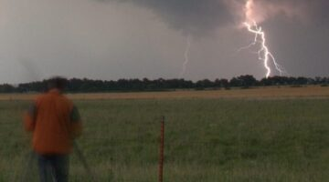 Lightning Safety Tips: 5 Ways To Stay Alive When Lightning Strikes
