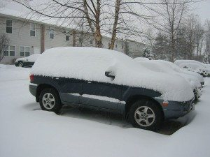 shoveling-snow-off-car