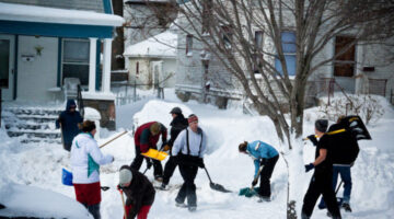 Snow Shoveling Etiquette: 6 Things You Should Know Before You Start Shoveling Snow At Home