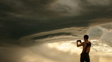 What's Up With All The Weird Weather Lately? 7 Strange Weather Phenomena Explained… See How & Why They Happen