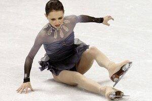 winter-videos-cohen-fall-on-ice
