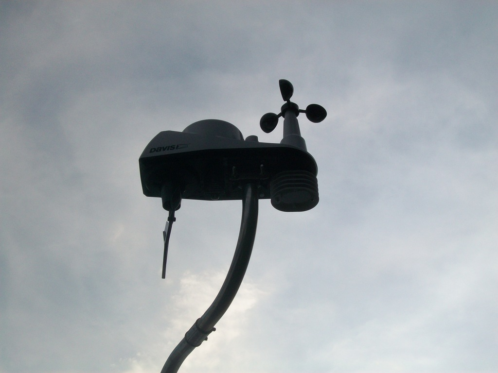 review of a davis wireless weather station the 6250 vantage vue