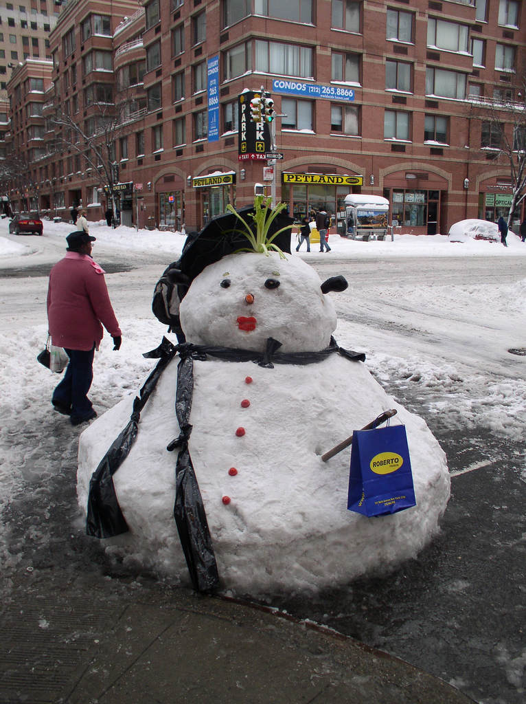 Interesting Snowman Photos Fun Amp Unusual Ways To Build Snowmen The Weather Guide
